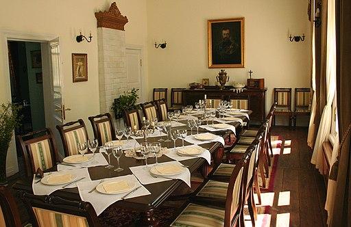 wnętrze restauracji carskiej w Białowieży